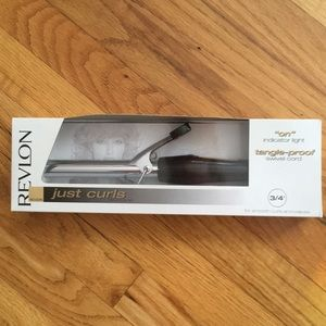 "Revlon curling iron 3/4 "" NWT"